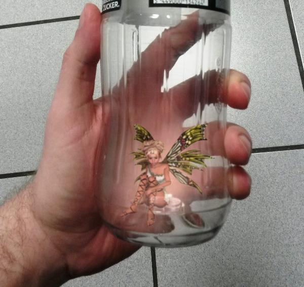 Realitätscheck - Fee in Flasche